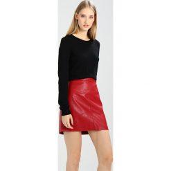 Sisley Sweter black. Czarne swetry klasyczne męskie Sisley, z kaszmiru. W wyprzedaży za 159,20 zł.