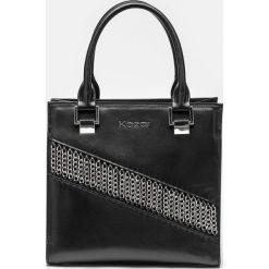 Czarna torebka damska. Czarne torebki klasyczne damskie marki Kazar, w paski, ze skóry, duże. Za 849,00 zł.