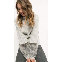 Sweter ze sztucznym futrem. Szare swetry oversize damskie marki Orsay, xs, z dzianiny. W wyprzedaży za 80,00 zł.