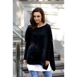 Modny sweter ponczo czarny MOLLY. Czarne swetry klasyczne damskie Lemoniade, na jesień, ze splotem. Za 149,90 zł.