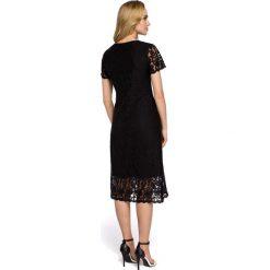 """VILLETTE Sukienka """"A"""" z koronką - czarna. Czarne sukienki koronkowe Moe, w koronkowe wzory, z dekoltem w serek. Za 199,00 zł."""