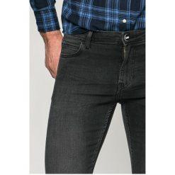 Lee - Jeansy Malone. Szare jeansy męskie skinny Lee, z bawełny. W wyprzedaży za 219,90 zł.