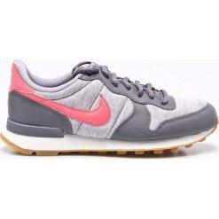 Nike Sportswear - Buty Internationalist. Różowe buty sportowe damskie marki Nike Sportswear, l, z nylonu, z okrągłym kołnierzem. W wyprzedaży za 299,90 zł.