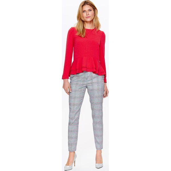 493329324549f0 BLUZKA DAMSKA ELEGANCKA Z DELIKATNĄ BASKINKĄ - Czerwone bluzki damskie Top  Secret, bez wzorów, z dzianiny, eleganckie, bez kołnierzyka, z długim  rękawem.