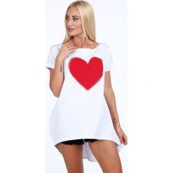 Tunika z czerwonym sercem biała 39820. Białe tuniki damskie marki Fasardi. Za 59,00 zł.