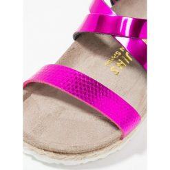 Genuins ALPI Sandały bubbles pink. Czerwone sandały chłopięce Genuins, z materiału, z otwartym noskiem. W wyprzedaży za 160,30 zł.