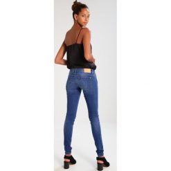 Rurki damskie: ONLY ONLCORAL  Jeans Skinny Fit medium blue denim