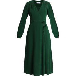 IVY & OAK Sukienka letnia eden green. Zielone sukienki letnie IVY & OAK, z elastanu. Za 719,00 zł.