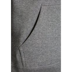 Vans BOYS Bluza z kapturem concrete heather. Szare bluzy dziewczęce rozpinane marki Vans, z bawełny, z kapturem. W wyprzedaży za 197,10 zł.
