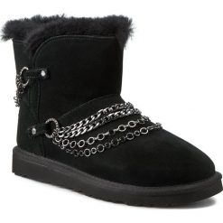 Buty UGG - W Reese 1010853 Black. Szare buty zimowe damskie marki Ugg, z materiału, z okrągłym noskiem. W wyprzedaży za 939,00 zł.