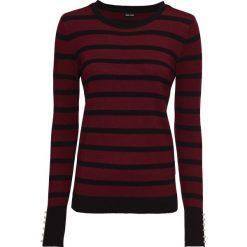 Odzież damska: Sweter z dzianiny o gładkim splocie drobnych oczek, z perełkami bonprix czerwony rubinowy - czarny w paski