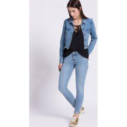 Vero Moda - Jeansy Five. Niebieskie jeansy damskie marki Vero Moda, z aplikacjami, z bawełny, z obniżonym stanem. W wyprzedaży za 99,90 zł.