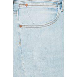 Wrangler - Jeansy Borneo. Niebieskie jeansy damskie rurki Wrangler, z bawełny, z podwyższonym stanem. W wyprzedaży za 259,90 zł.
