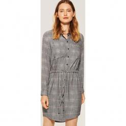 Koszulowa sukienka - Jasny szar. Szare sukienki marki House, l, z koszulowym kołnierzykiem, koszulowe. Za 79,99 zł.