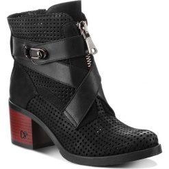 Botki CARINII - B4441  360-E50-000-861. Czarne buty zimowe damskie Carinii, z nubiku. W wyprzedaży za 279,00 zł.