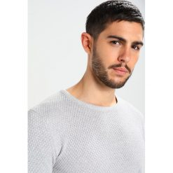 Swetry klasyczne męskie: Solid GYDEN Sweter mottled light grey