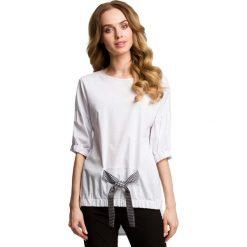Oryginalna Oversizowa Bluzka z Wiązaniem - Czarna Kokarda. Czarne bluzki nietoperze marki Molly.pl, l, ze skóry, z asymetrycznym kołnierzem, z długim rękawem. Za 94,90 zł.