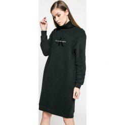 Sukienki dzianinowe: Calvin Klein Jeans – Sukienka