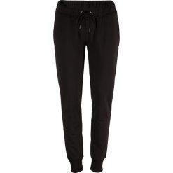 Outhorn Spodnie damskie HOL18-SPDD600 czarne r. M. Szare spodnie sportowe damskie marki Outhorn, melanż, z bawełny. Za 39,99 zł.