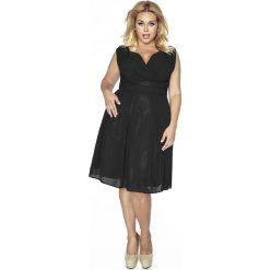 Czarna Sukienka z Kopertowym Dekoltem PLUS SIZE. Białe sukienki na komunię marki bonprix, na ślub cywilny, z wełny, eleganckie, moda ciążowa. W wyprzedaży za 146,93 zł.