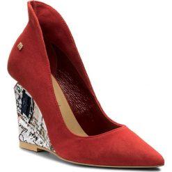 Półbuty MACCIONI - 665.124.81952 Czerwony. Czerwone półbuty damskie na koturnie marki Maccioni, ze skóry. W wyprzedaży za 259,00 zł.