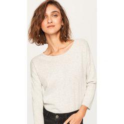 Sweter z aplikacjami - Jasny szar. Szare swetry klasyczne damskie Reserved, l. Za 59,99 zł.