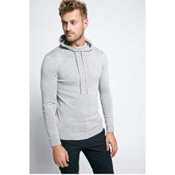 Guess Jeans - Sweter. Szare swetry klasyczne męskie Guess Jeans, m, z aplikacjami, z bawełny, z kapturem. W wyprzedaży za 139,90 zł.
