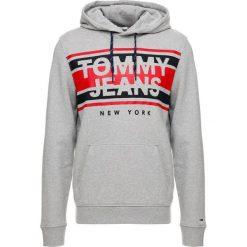 Tommy Jeans ESSENTIAL GRAPHIC HOODIE Bluza z kapturem grey. Szare bluzy męskie rozpinane Tommy Jeans, m, z bawełny, z kapturem. Za 379,00 zł.