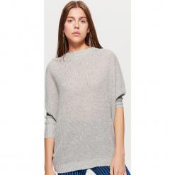 Sweter z kimonowym rękawem - Jasny szary. Szare swetry klasyczne damskie marki Cropp, l. Za 69,99 zł.