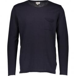 Sweter w kolorze granatowym. Czarne swetry klasyczne męskie marki Mustang, l, z bawełny, z kapturem. W wyprzedaży za 99,95 zł.