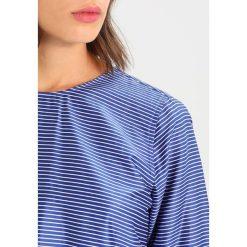 Bluzki asymetryczne: Mads Nørgaard SHIRTILLA Bluzka blue white