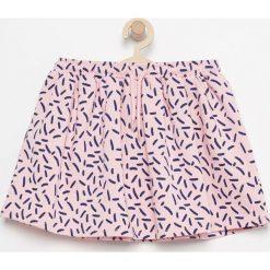 Spódnica z dzianiny dresowej - Różowy. Czerwone spódniczki dziewczęce Reserved, z dresówki. W wyprzedaży za 19,99 zł.