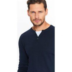 Swetry męskie: SWETER MĘSKI Z BIAŁĄ WSTAWKĄ I OZDOBNYMI GUZIKAMI