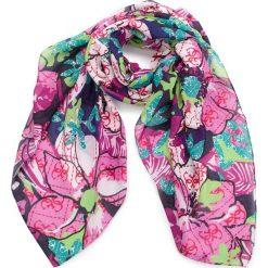 Chusta GUESS - AW7790 POL03  BLU. Różowe chusty damskie Guess, z materiału. Za 219,00 zł.
