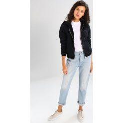 Calvin Klein Jeans HOLT HOODED ZIP THRU Bluza rozpinana black beauty. Czarne bluzy rozpinane damskie Calvin Klein Jeans, s, z bawełny. W wyprzedaży za 411,75 zł.
