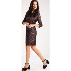 Comma Sukienka letnia black. Czarne sukienki letnie comma, z materiału. W wyprzedaży za 432,65 zł.