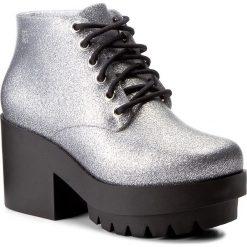 Botki MELISSA - Stellar Ad 31619 Silver Glitter 52984. Szare buty zimowe damskie Melissa, z tworzywa sztucznego. W wyprzedaży za 359,00 zł.