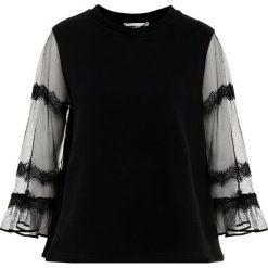 McQ Alexander McQueen GOTH HYBRID TOP Bluza darkest black. Czarne bluzy rozpinane damskie McQ Alexander McQueen, xs, z bawełny. W wyprzedaży za 587,60 zł.