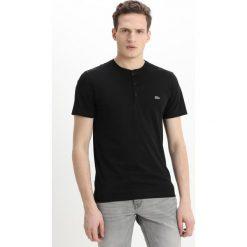 Lacoste Tshirt basic black. Czarne t-shirty chłopięce Lacoste, z bawełny. Za 259,00 zł.