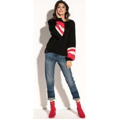 Czarny Oversizowy Sweter z Bufiastym Rękawem w Paski. Czarne swetry oversize damskie Molly.pl, uniwersalny, z jeansu. Za 126,90 zł.