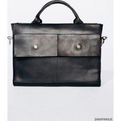 TOREBKA Skórzana Lezerton T01 CZARNA. Czarne torby na laptopa marki Pakamera. Za 669,00 zł.