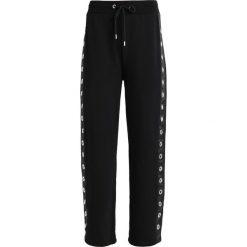 Spodnie dresowe damskie: Jaded London WIDE LEG WITH XL EYELET SIDE TAPE DETAIL Spodnie treningowe black