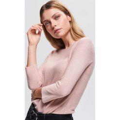 Sweter z błyszczącą nitką - Różowy. Czerwone swetry klasyczne damskie marki bonprix, na zimę. Za 69,99 zł.