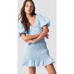 Trendyol Sukienka mini z dekoltem V - Blue. Szare sukienki mini marki Trendyol, na co dzień, z elastanu, casualowe, dopasowane. Za 100,95 zł.