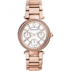 """Zegarek kwarcowy """"Mini Parker"""" w kolorze różowozłotym. Żółte, analogowe zegarki damskie marki Michael Kors, ze stali. W wyprzedaży za 690,95 zł."""