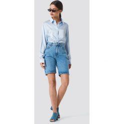 NA-KD Satynowa koszula z długim rękawem - Blue. Niebieskie koszule damskie marki NA-KD, z satyny. Za 133,95 zł.