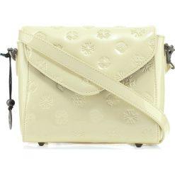 Torebka damska 34-4-601-K. Białe torebki klasyczne damskie Wittchen, w paski, z tłoczeniem. Za 599,00 zł.