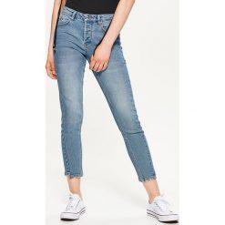 Boyfriendy damskie: Jeansy z pionowymi przeszyciami - Niebieski
