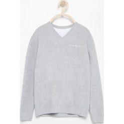 Sweter z dekoltem w serek - Jasny szar. Szare swetry chłopięce marki bonprix, l, melanż. Za 79,99 zł.