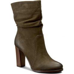 Kozaki KARINO - 2069/026-M Zielony. Zielone buty zimowe damskie marki Karino, z nubiku, przed kolano, na wysokim obcasie, na obcasie. W wyprzedaży za 259,00 zł.